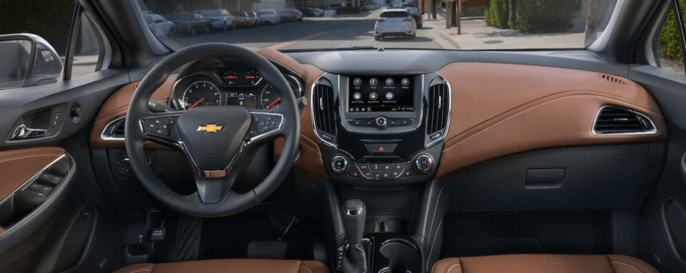 2019 Chevy Cruze Interior in Black and Brown