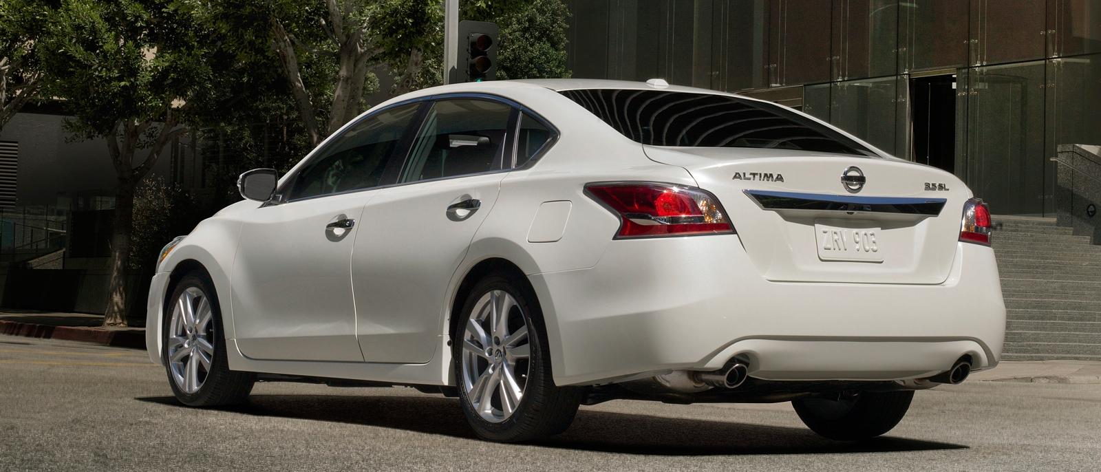 2015-Nissan-Altima
