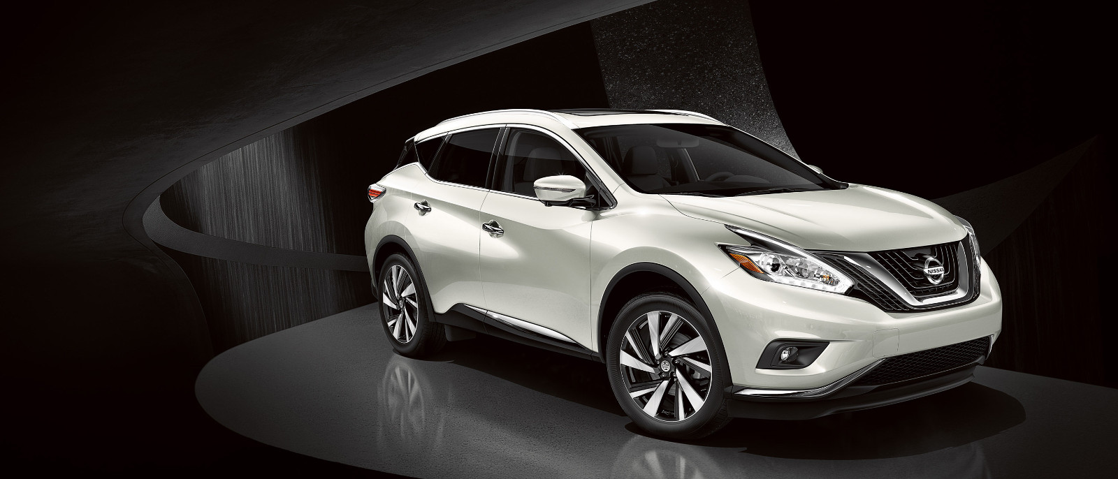 Nissan Murano Front-Side View