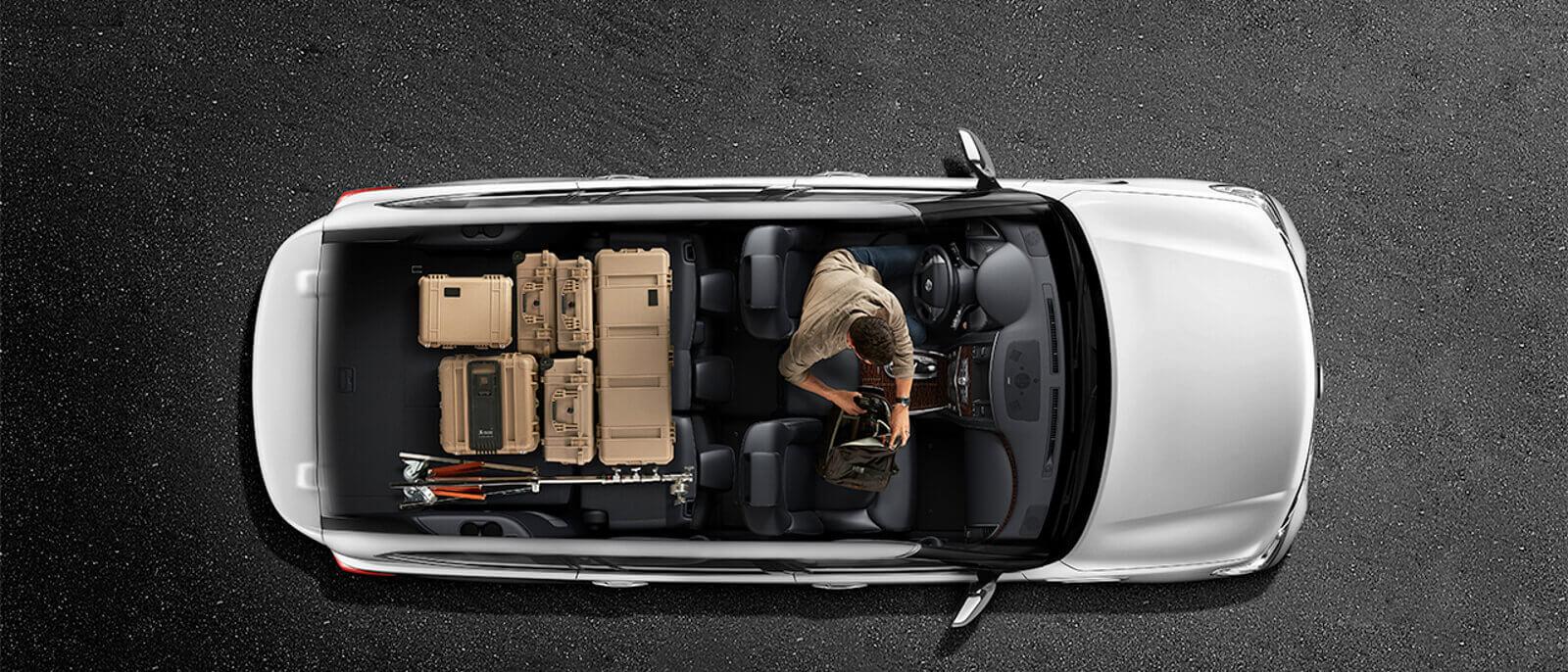 2017 Nissan Armada interior