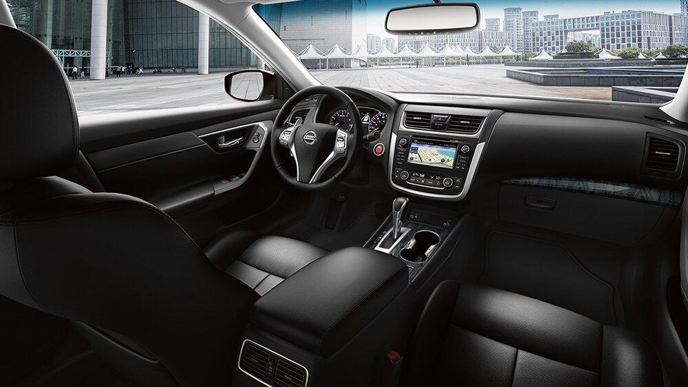 2017 Nissan Altima Cabin