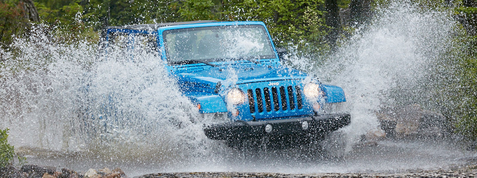 2016 Jeep Wrangler Performance Driving through water on a trail offroading – Colorado Springs, CO