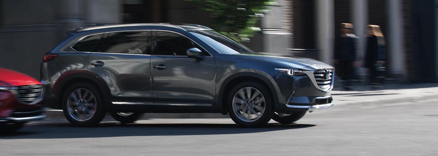 2019 Mazda CX-9 Driving Through City