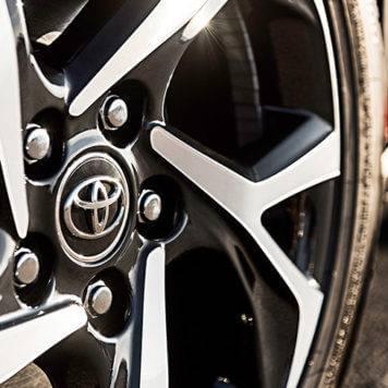 2018 Toyota C-HR XLE wheel