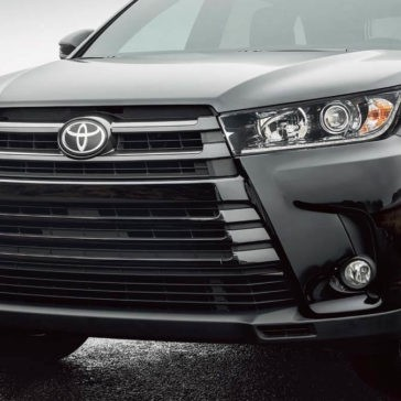 2017 Toyota Highlander SE AWD Midnight Black Metallic Front End