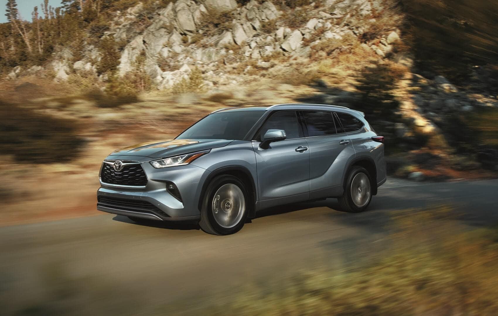 2020 Toyota Highlander Driving