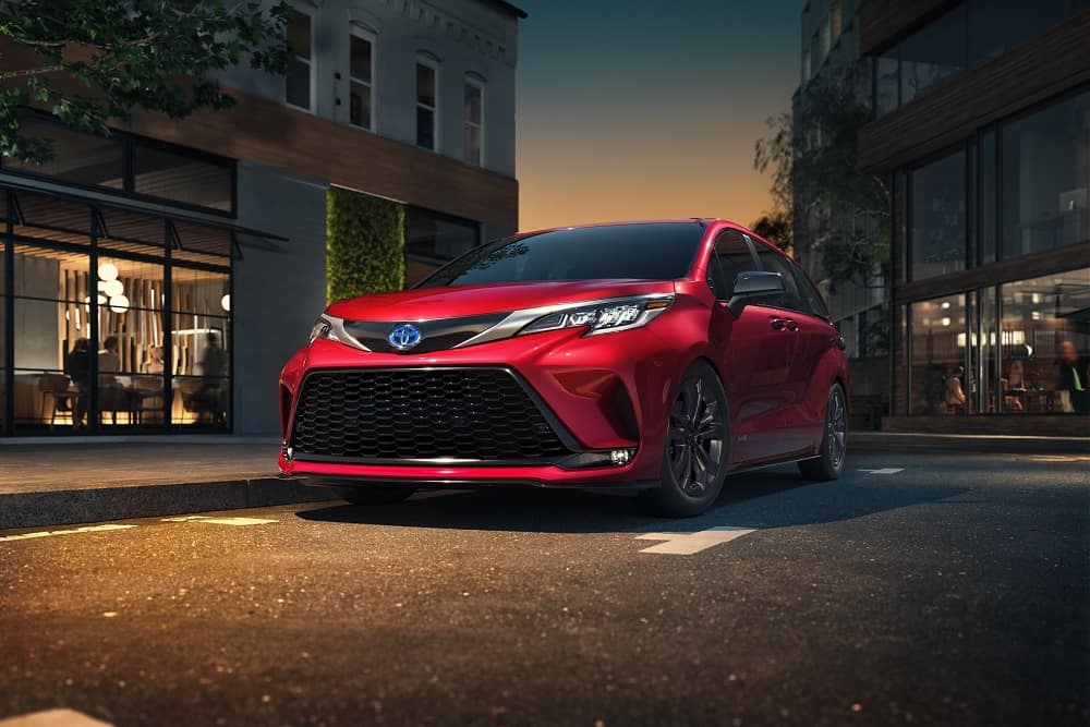 2021 Toyota Sienna Front End