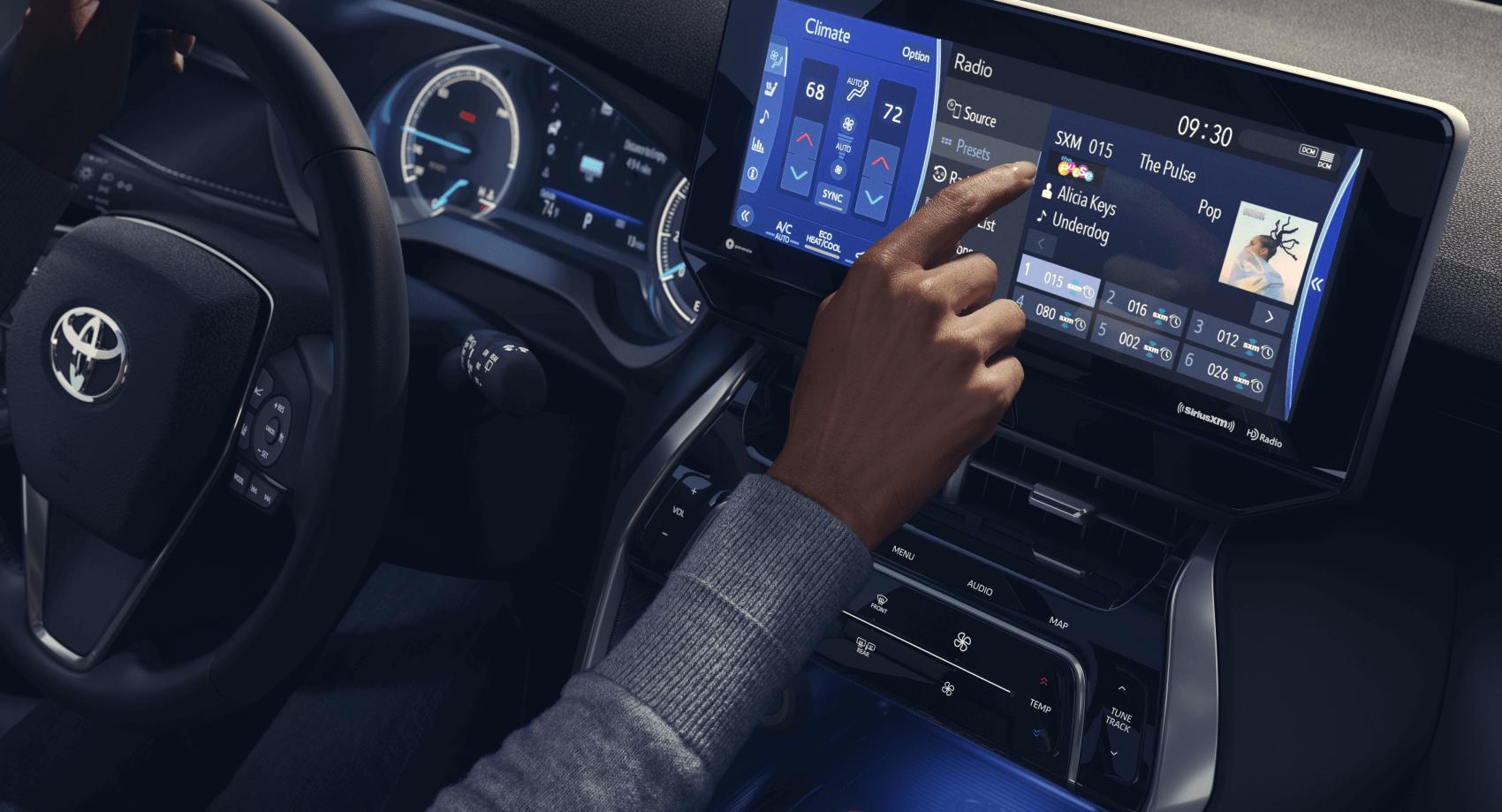 2021 Toyota Venza Interior Tech